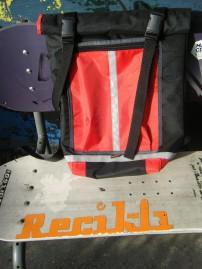 Kétvállas futárzsák, kb 30L, ára 15e huf, rendelhető